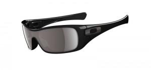 Modelo Antix com designer moderno na cor preta da marca de óculos Oakley