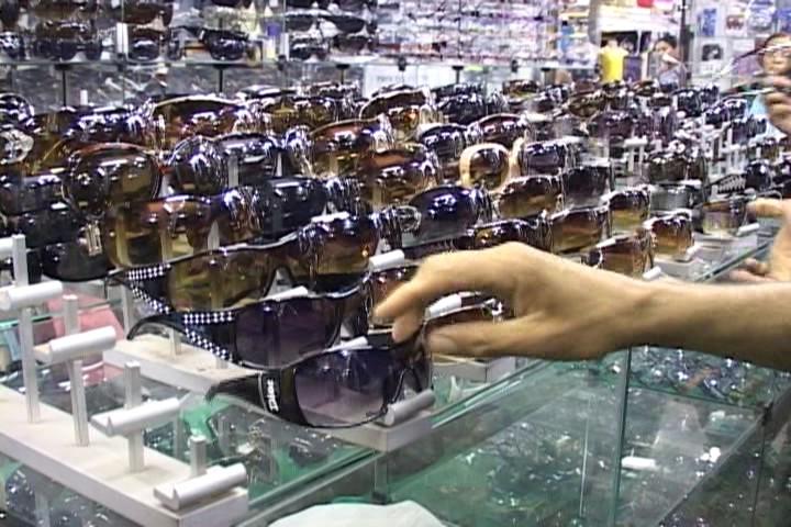 Óculos baratos pela metade do preço