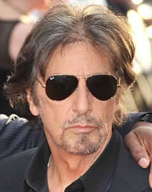 Al Pacino veste óculos Ray Ban RB3025