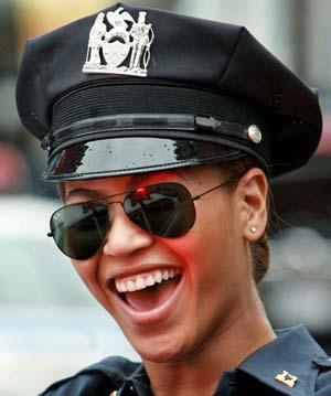 Beyonce veste óculos Ray Ban
