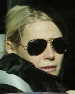 Gwyneth Paltrow veste Óculos Ray Ban