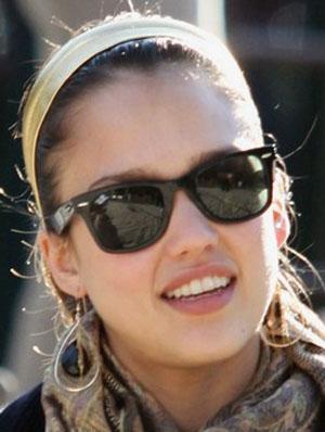 Jessica Alba Óculos Ray Ban RB2113