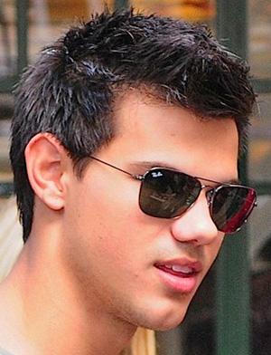 Taylor veste óculos Ray Ban