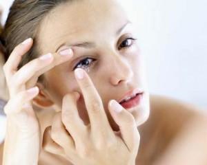 Cuidado com as lentes de contato sem grau