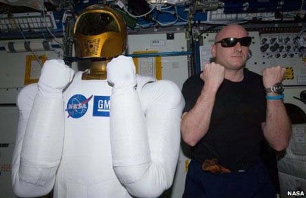 Viagens espaciais podem causar cegueira a astronautas