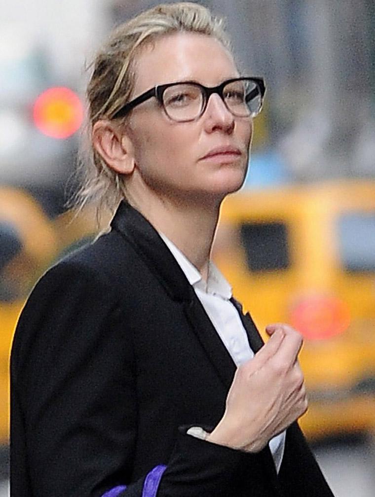 Cate Blanchett usa óculos estilo geek