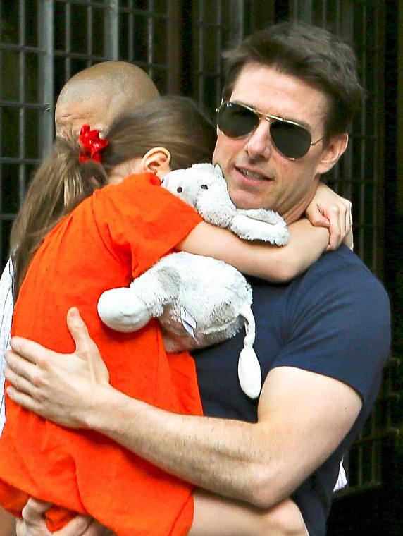 Tom Cruise usa Ray-Ban Aviador RB3025