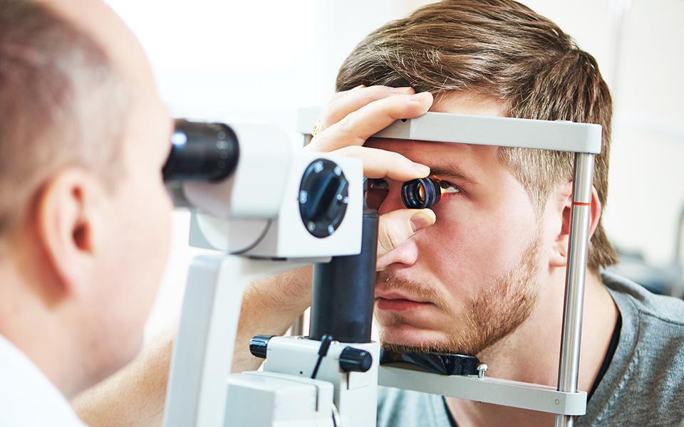 manchas na visão