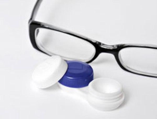 Óculos ou lentes de contato?