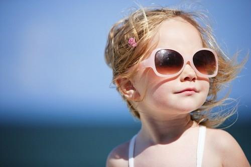 Quando o assunto é óculos de sol, o barato pode sair caro