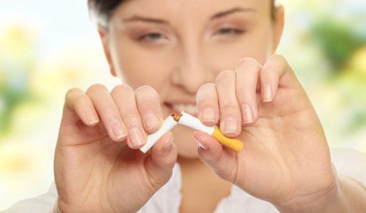 Parar de fumar por longo tempo reduz risco de catarata