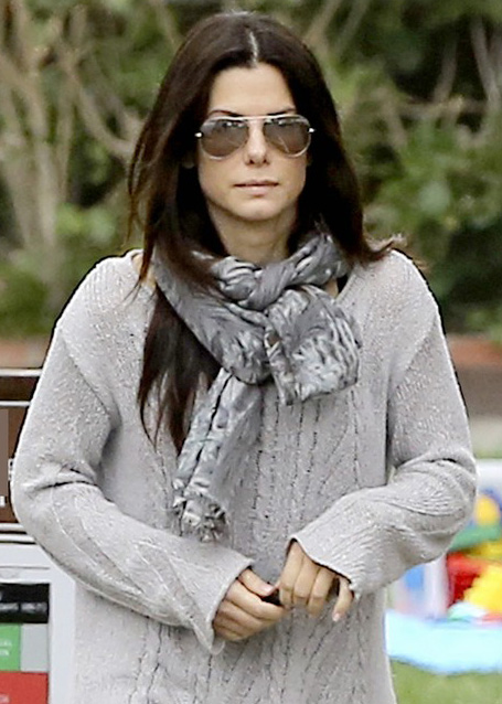 Sandra Bullock usa Ray-Ban Aviador RB3025
