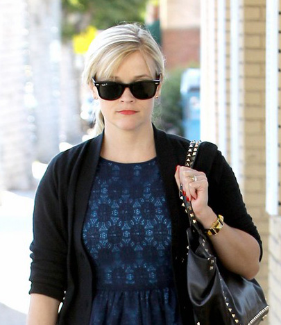 Reese Witherspoon usa Ray-Ban Wayfarer