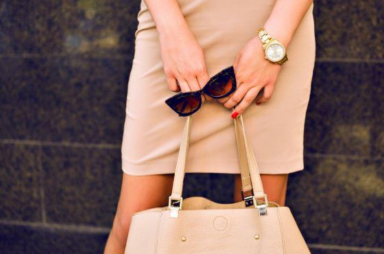 bolsa de couro e oculos de sol oculos shop