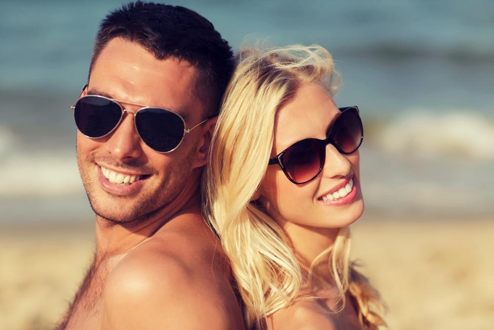 óculos de sol para usar na praia